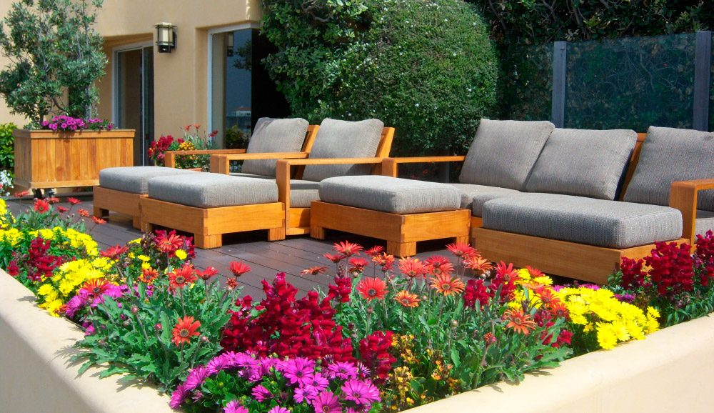 Ideas para decorar una terraza for Como decorar un jardin grande