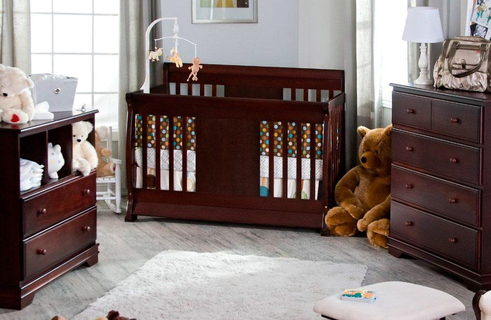 Muebles de una habitación de bebé :: Imágenes y fotos